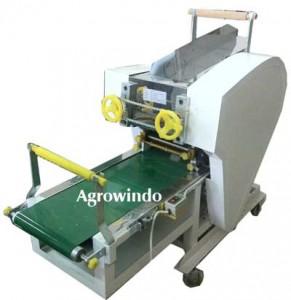 Mesin Pencetak Mie 12 291x300 Mesin Pembuat Mie (Cetak Mie)