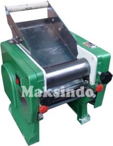 Mesin Pencetak Mie 3 232x300 Mesin Pembuat Mie (Cetak Mie)