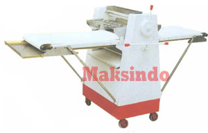 Mesin Pengepress Adonan 4 Mesin Pengepress Adonan (Dough Sheeter)
